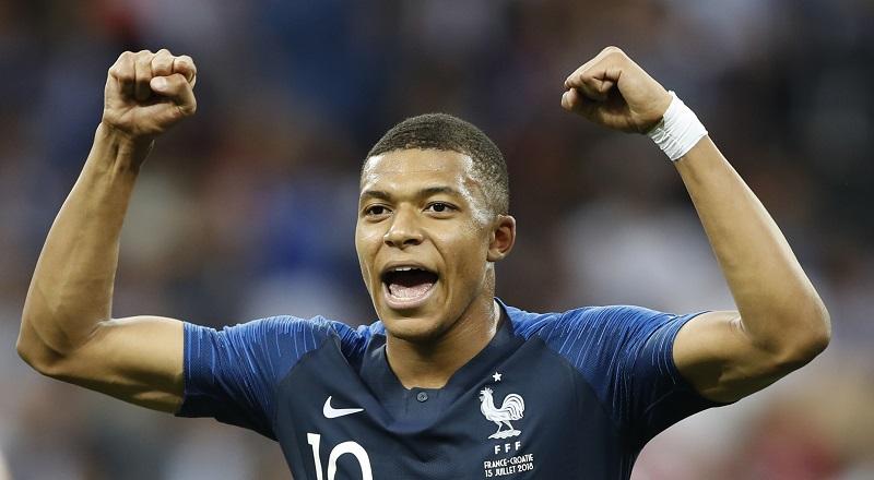Me quedo al cien por ciento en el PSG: Mbappé