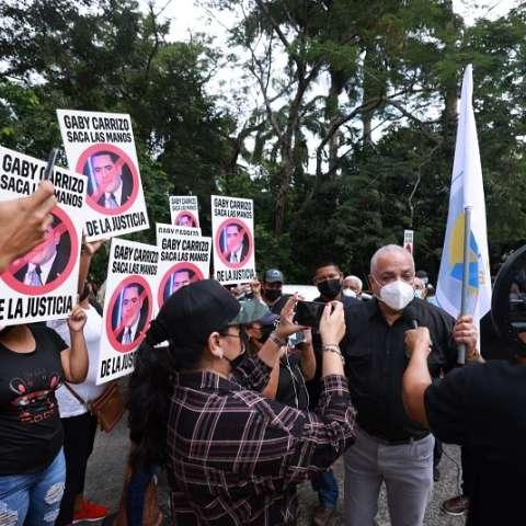 protesta_ricardo_martinello_realizando_metas_corte_suprema_1.jpg