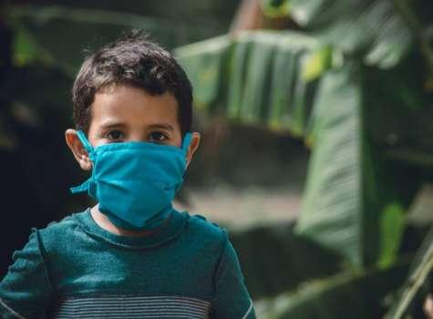 El uso de la mascarilla ha sido todo un reto para los padres y niños. (Imagen: Pixabay)