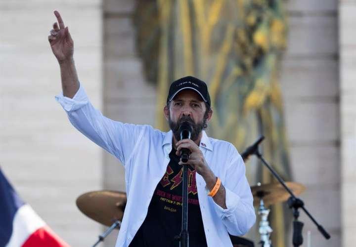 """Juan Luis Guerra lanza """"Gracias"""" en medio de la pandemia por el coronavirus"""