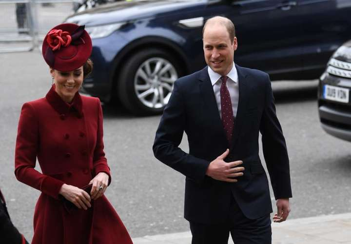 Príncipe William le responde a Meghan y afirma que la familia real no es racista