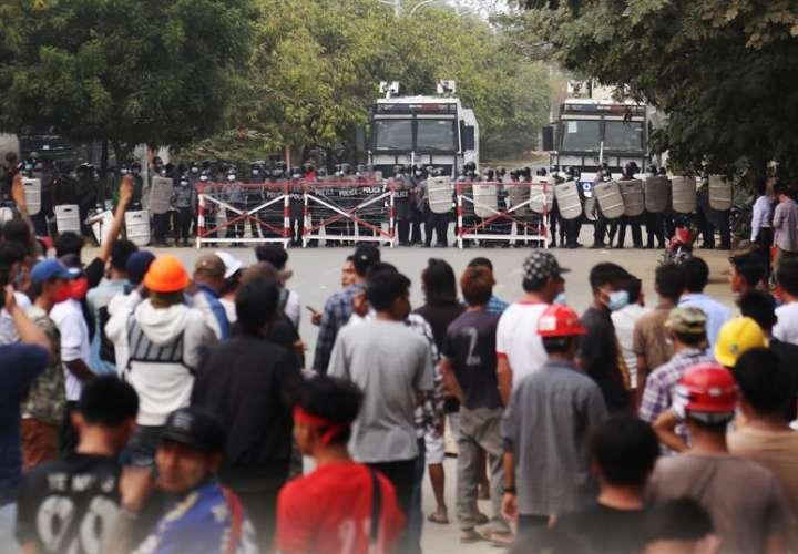 La Junta militar birmana recrudece la represión con al menos dos nuevos muertos