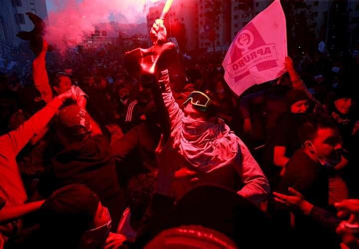Chile aprueba con una aplastante mayoría redactar una nueva Constitución