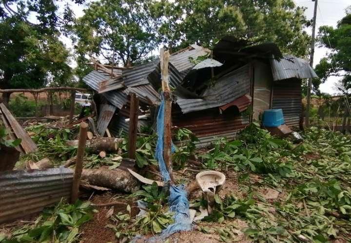 Le resolverán a familias que perdieron techos