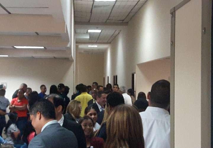 El primer testigo de la fiscalía tardó alrededor de siete horas en el interrogatorio. Foto: Jean Carlos Díaz