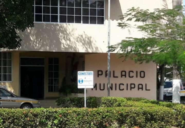 Alcaldía de Las Tablas envía a 70 funcionarios de licencia sin sueldo