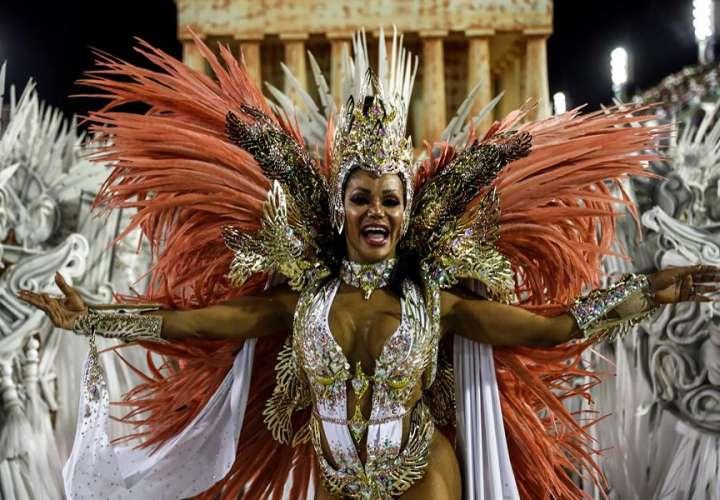 Río habilita escuelas de samba pese a que la Covid19 sigue sin control
