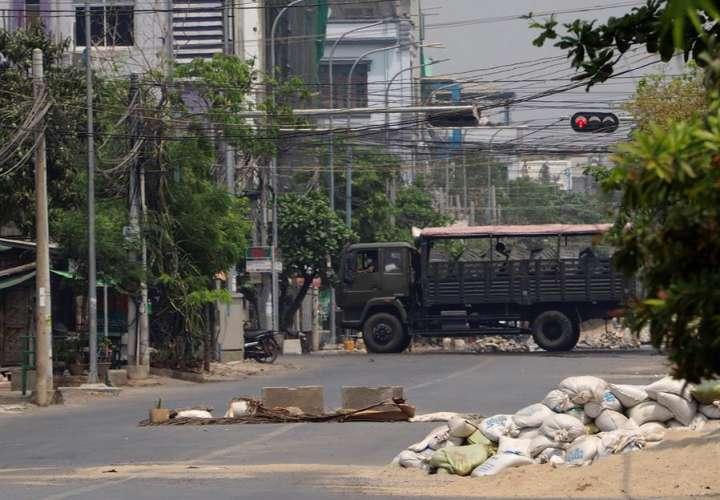 Seis policías muertos en un ataque contra una comisaría en Birmania
