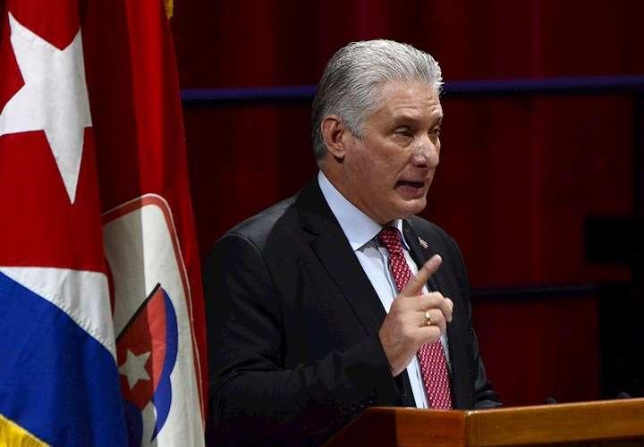 Presidente cubano niega acusaciones de represión en las protestas del domingo