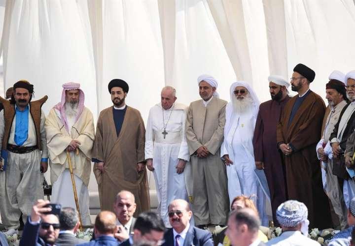 El papa selló una reunión histórica con Al Sistani para fomentar el diálogo