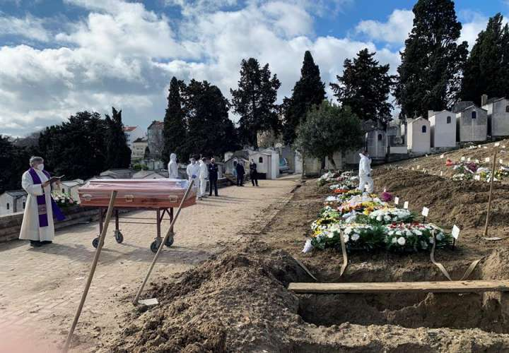Los sepultureros de Portugal no piensan en desconfinar