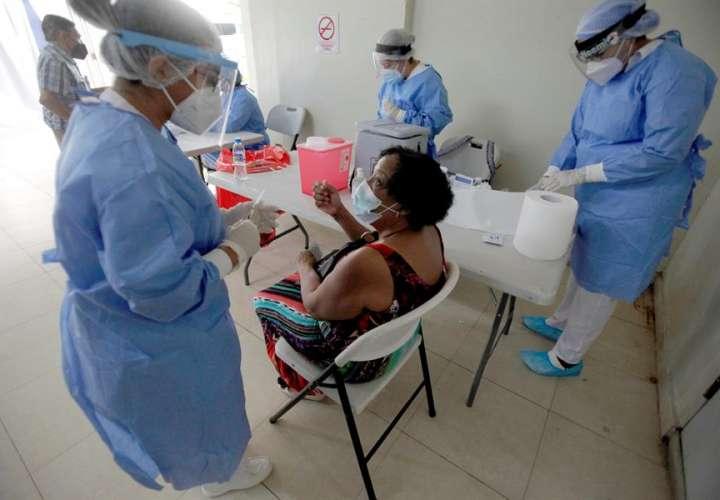 Cifras Covid: 247 casos, 7 defunciones y 253,800 vacunas aplicadas