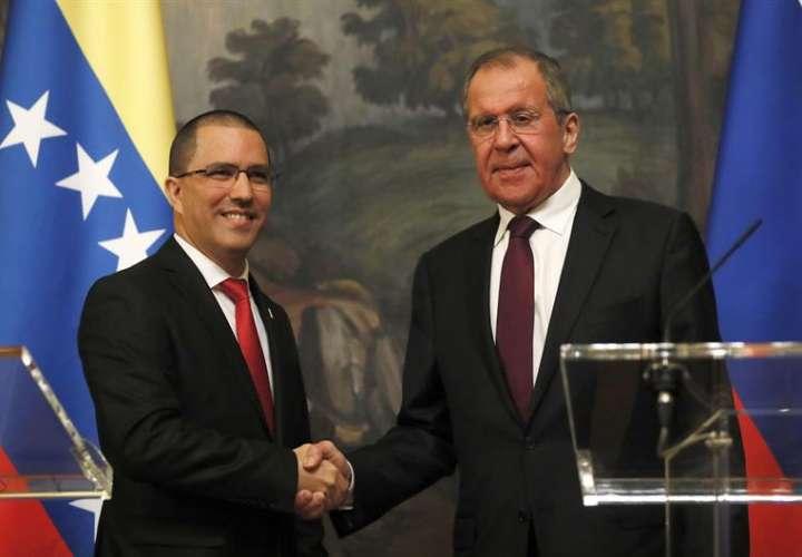 """Lavrov: solución militar en Venezuela sería """"catastrófica e injustificada"""""""