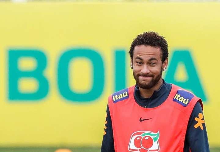 Policía obligará a Neymar a declarar por difusión de imágenes íntimas
