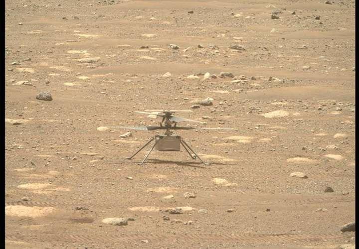 """El helicóptero Ingenuity de la NASA, listo para una """"histórica"""" hazaña en Marte"""