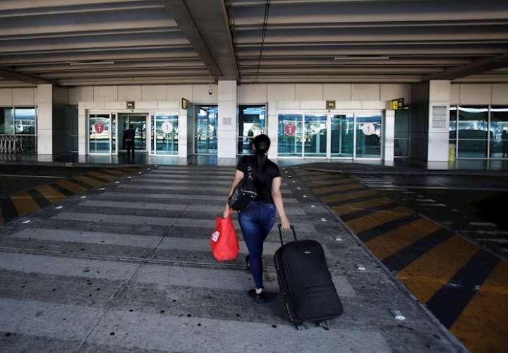Tráfico por principal aeropuerto de Panamá cae 63,7% en siete meses de 2020