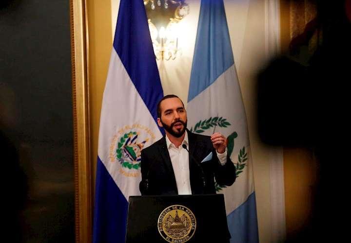 """""""Cuarentena domiciliar"""" y """"absoluta"""" en El Salvador"""