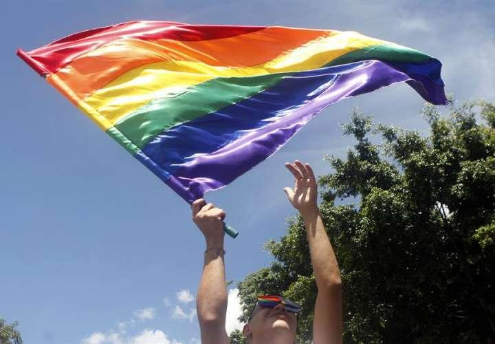 """Los curas """"rebeldes"""" bendecirán uniones homosexuales pese a veto del Vaticano"""