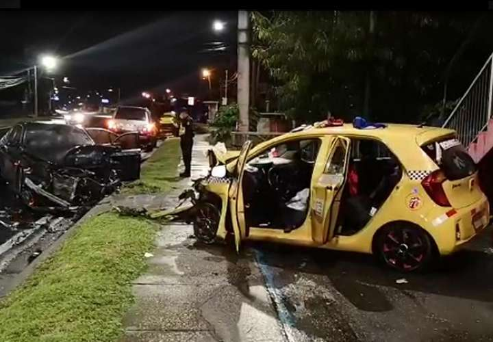 Sobreviven a brutal colisión en San Pedro (Video)