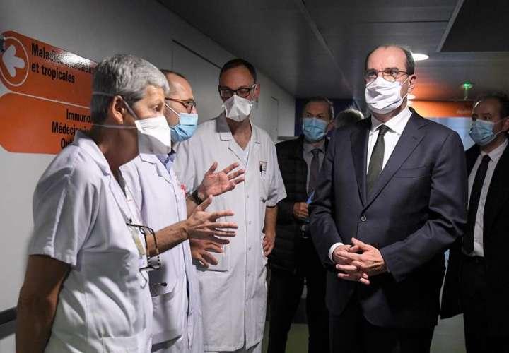 Gobierno francés teme la reticencia de la población ante las vacunas covid
