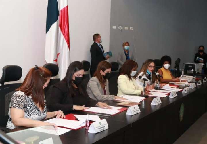 Comisión de la Mujer confirma 3 nuevos casos de abusos de menores en albergues