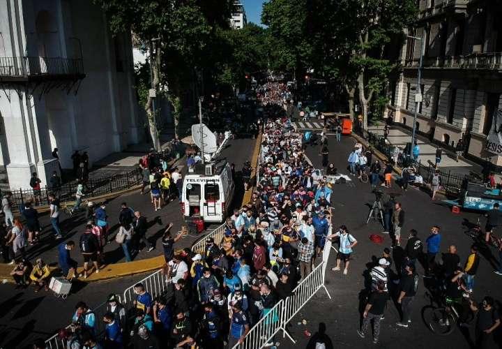 Abren en la Casa Rosada el velatorio público de Maradona