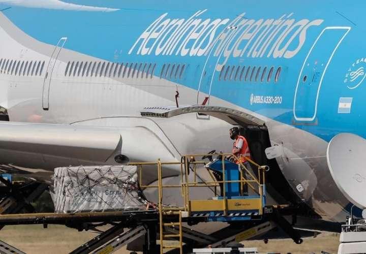 Llega el cuarto vuelo de Aerolíneas Argentinas con nuevas dosis de Sputnik-V