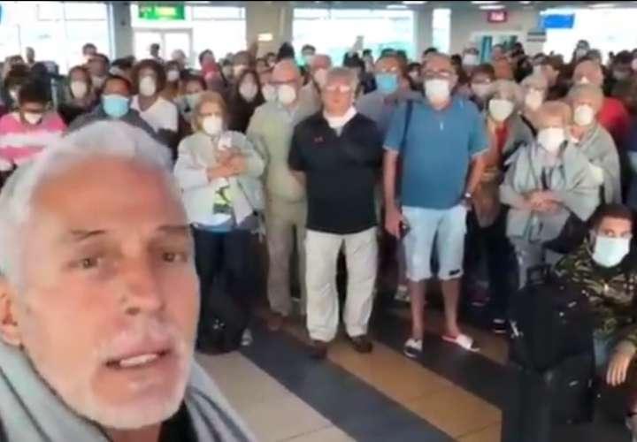 Unos 400 argentinos están varados en aeropuerto de Tocumen por el coronavirus