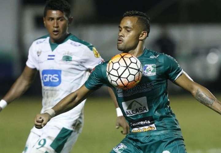 Armando Polo vuelve al fútbol salvadoreño