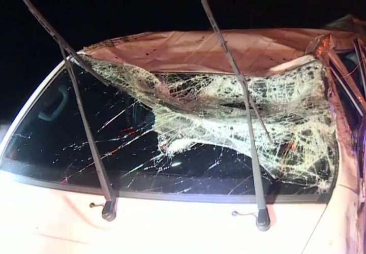 Cuatro lesionados deja vuelco en la autopista Arraiján-La Chorrera