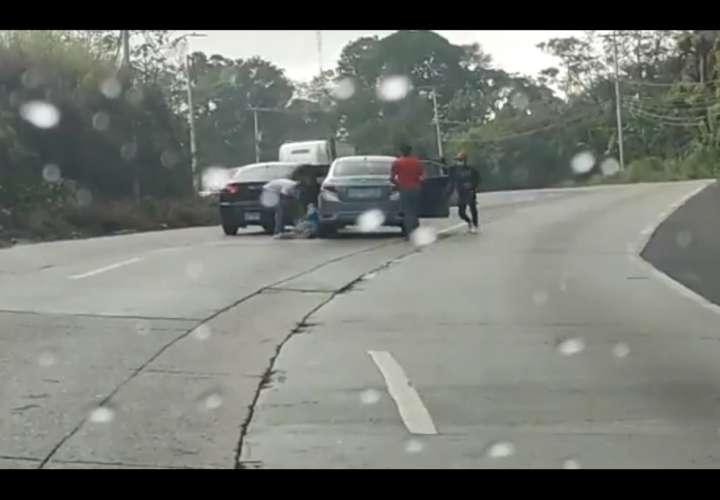 El asalto fue filmado en vivo y a todo color.