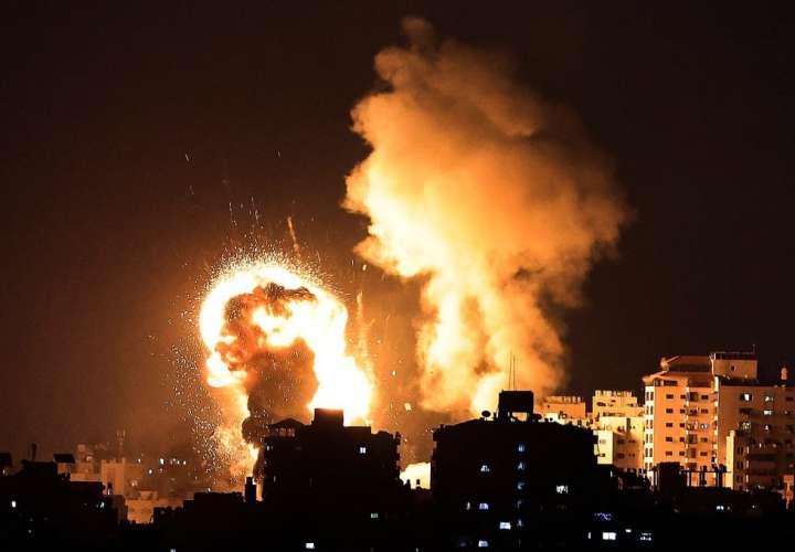 Suenan las sirenas y lanzan cohetes en los bombardeos entre Israel y Palestina