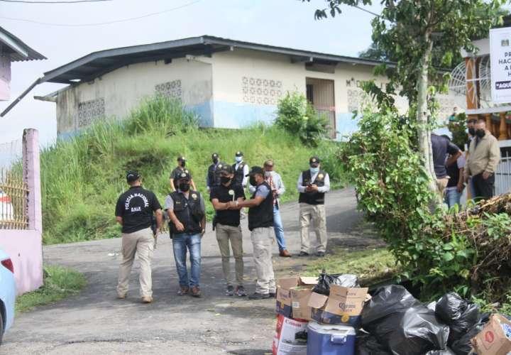 Atacan a tiros a dos policías en San Miguelito  [Video]