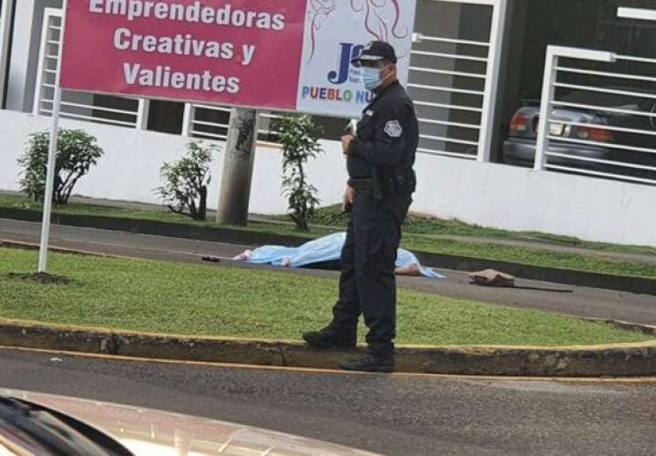 Muerto por atropello en la avenida 12 de Octubre  [Video]