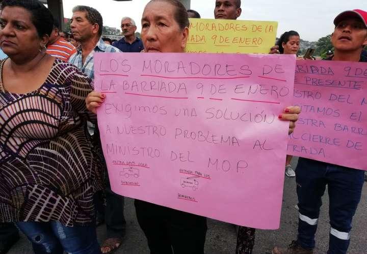 Protestan por cierre de acceso a sus comunidades