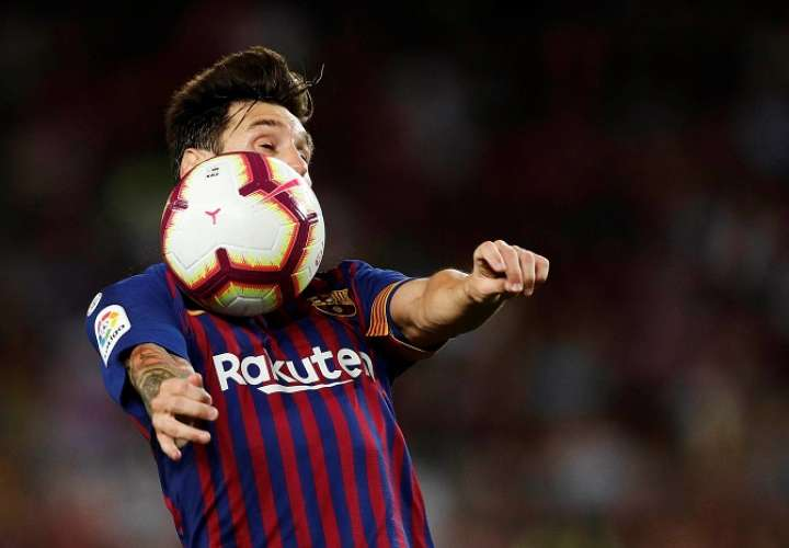 Leo Messi durante el partido de la primera jornada de Liga en Primera División que FC Barcelona disputó ante Alaves./ EFE