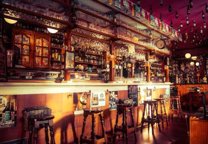 Dueños de bares se preparan para apertura del lunes. Minsa inspecciona locales