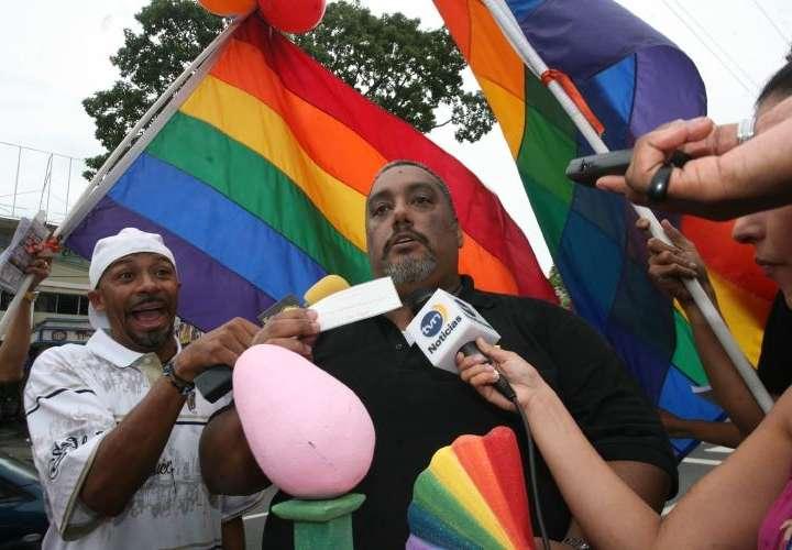 ¡Tiembla tierra! Comunidad LGBT presenta los nominados al Huevo Rosa