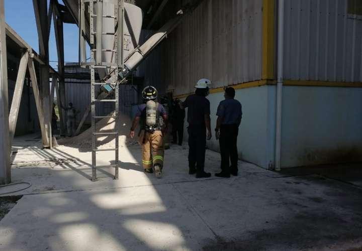 Trabajador muere sepultado por maíz en un silo  [Video]