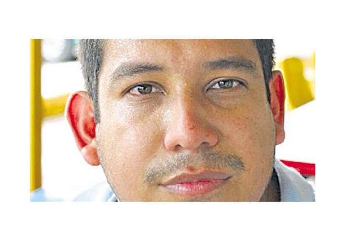 Condenan a periodista a 10 años de prisión