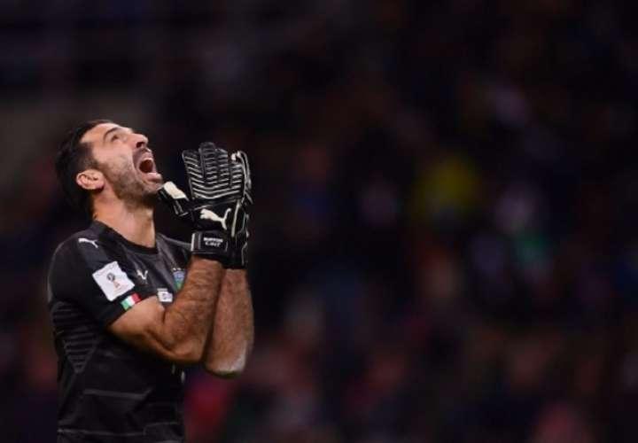 Con 42 años es suplente de Szczesny en la Juventus.