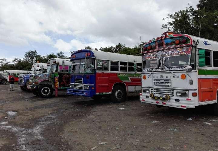 Este robo se registra un mes después de que sujetos armados dispararan en contra de un transporte de pasajeros de la ruta Penonomé – Panamá. Foto: Eric Montenegro Ilustrativa