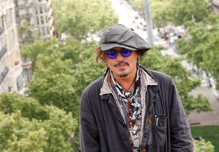 Johnny Depp será condecorado en España; el famoso sigue a pesar de los problemas
