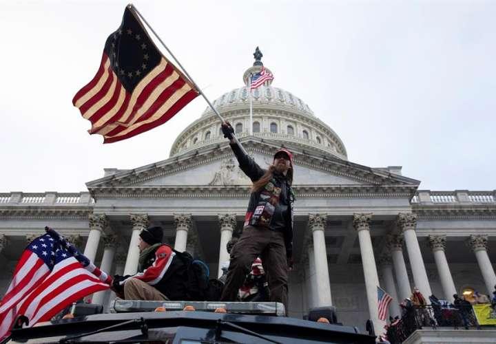 FBI advirtió sobre las protestas en el Capitolio y nadie hizo caso, informa NBC