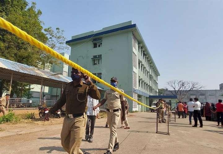 Mueren diez bebés por un incendio en un hospital de la India