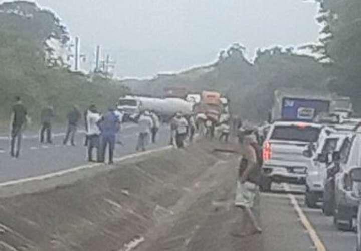 Dos protestas en Coclé por falta de agua y reclamos al Idaan