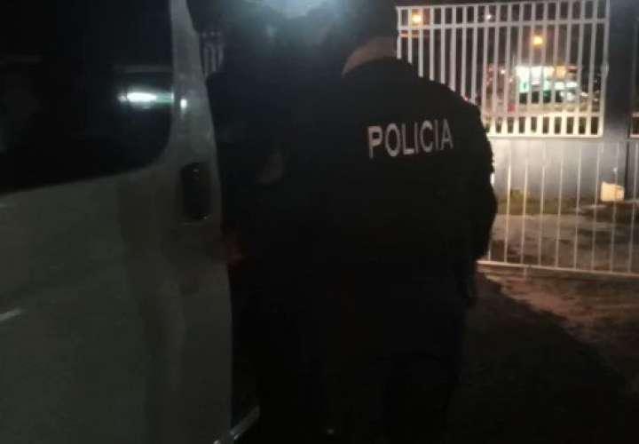 Dos detenidos tras intentar robar a comerciante  [Video]