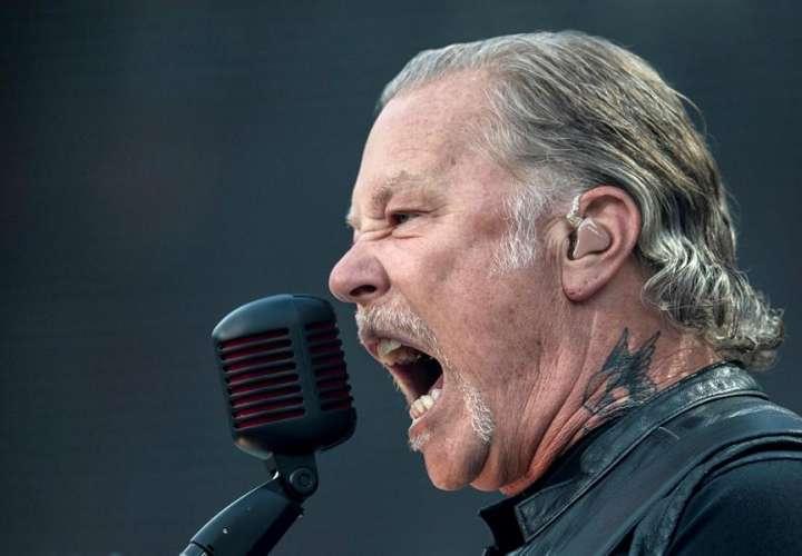 Metallica pospone sus conciertos por rehabilitación de su vocalista