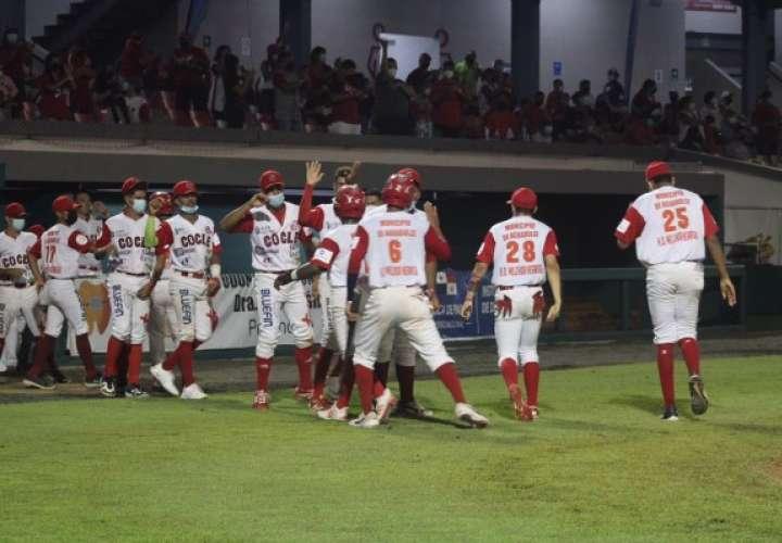 El equipo coclesano nunca estuvo por debajo en el marcador ante Herrera. Foto. Fedebeis