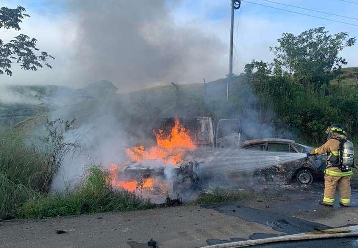 Vehículos terminaron en pérdida total. Foto: BCBRP
